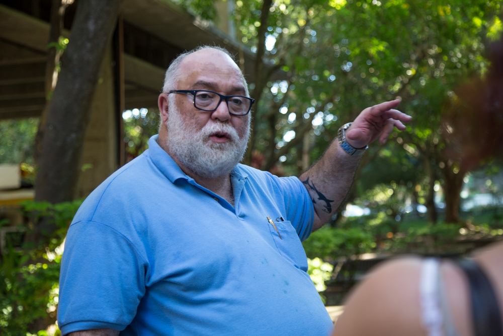Jorge Najjar mostra o campi da UFF