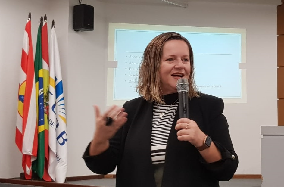 Presidenta da ANPEd, Geovana Lunardi (UDESC)